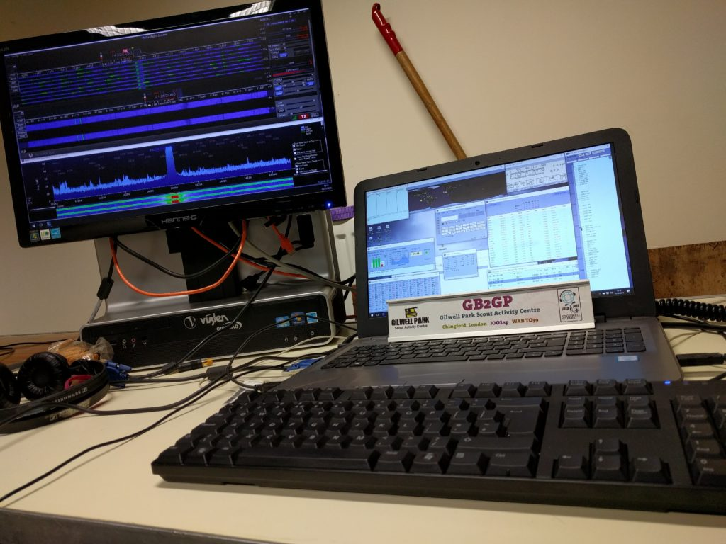Laptop and computer showing a waterfall of the 20m band